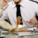 Essen bei der Arbeit: 5 Tipps